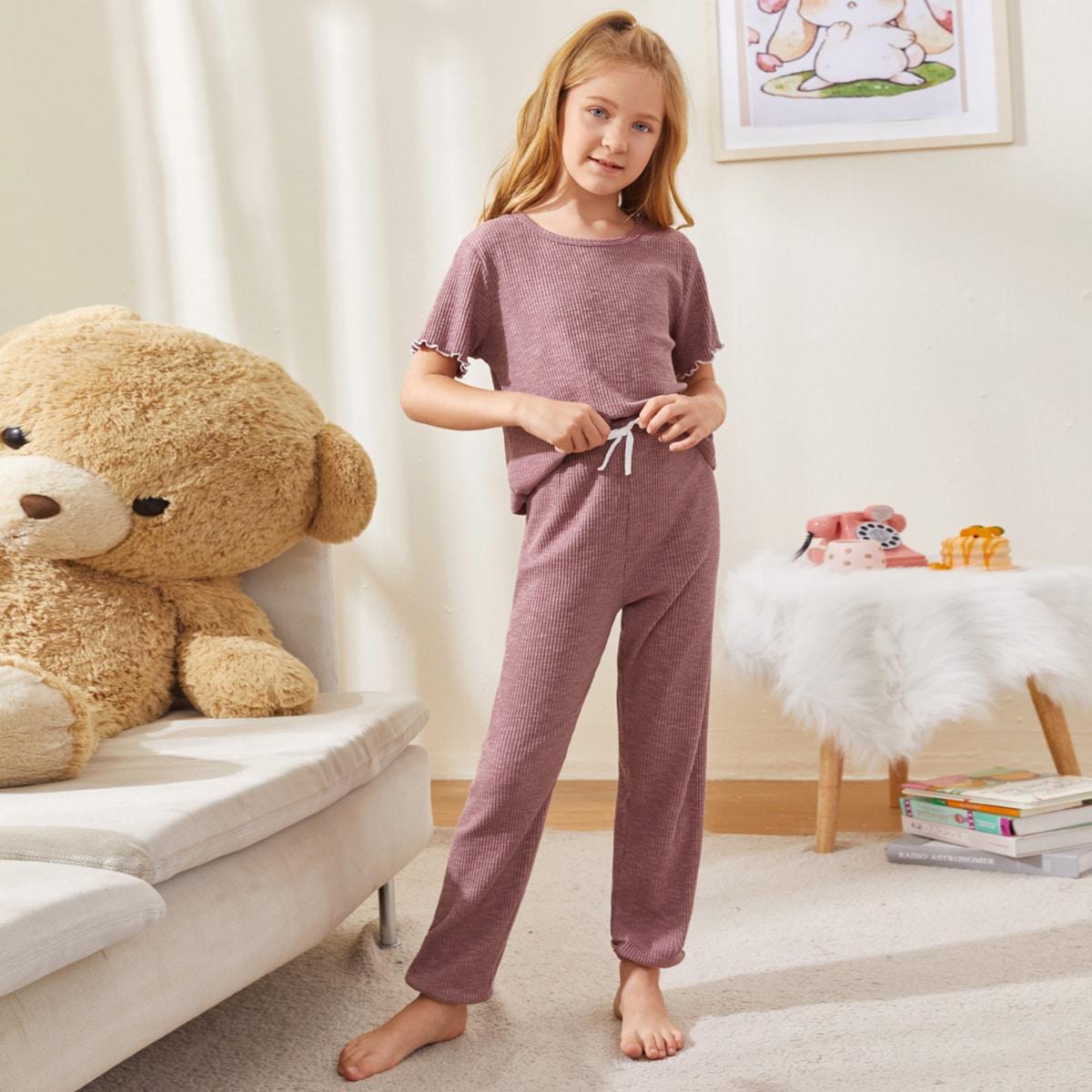Трикотажная пижама с оригинальной отделкой для девочек