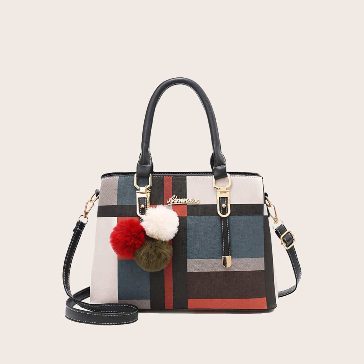 Контрастная сумка-сэтчел с помпоном