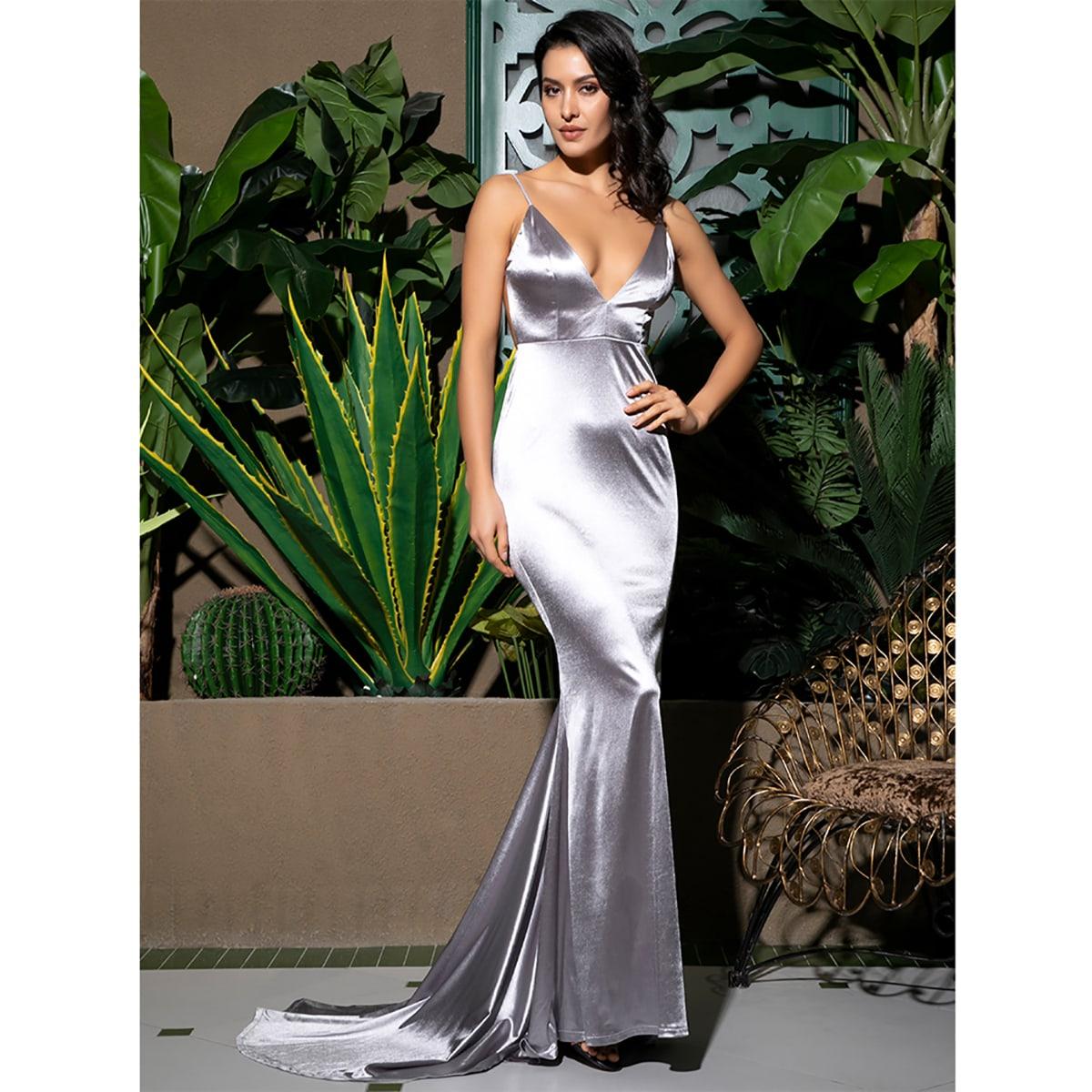 Атласное платье-русалка с открытой спинкой