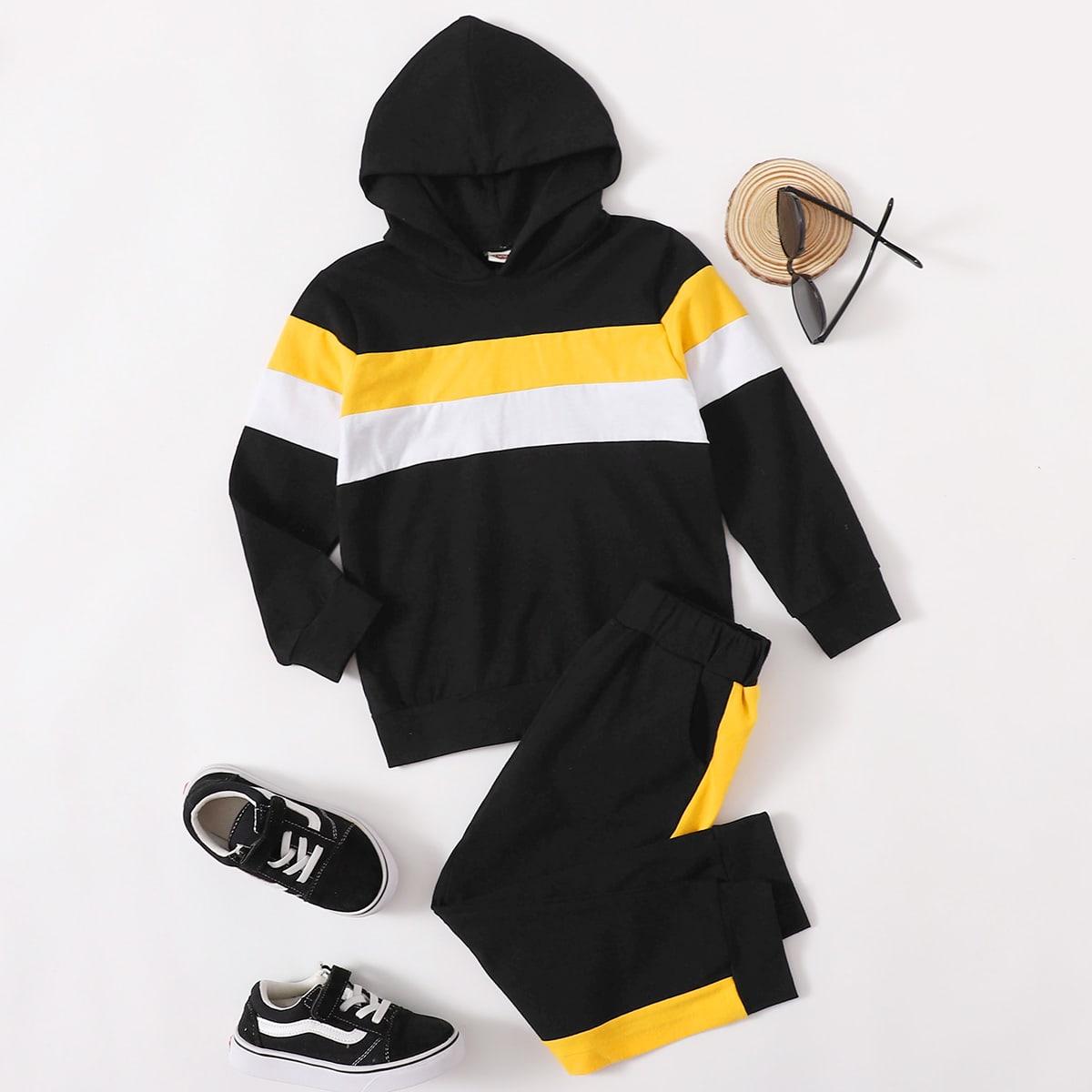Контрастная толстовка и спортивные брюки для мальчиков