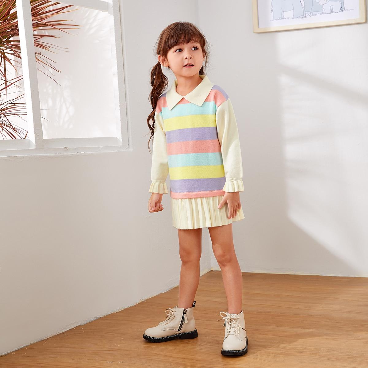 Платье свитер с полосатым узором и плиссированным