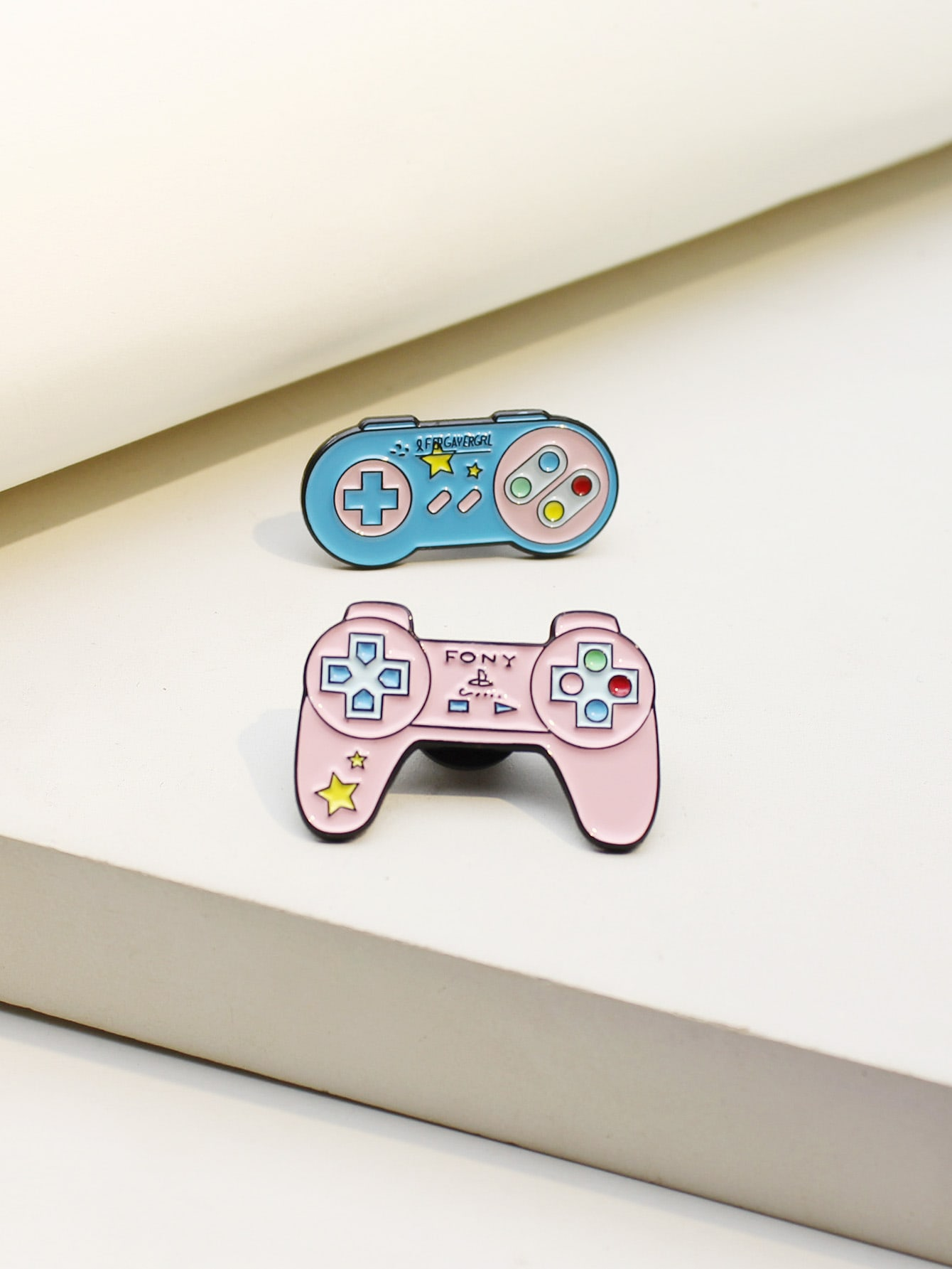 2pcs Game Console Design Brooch thumbnail