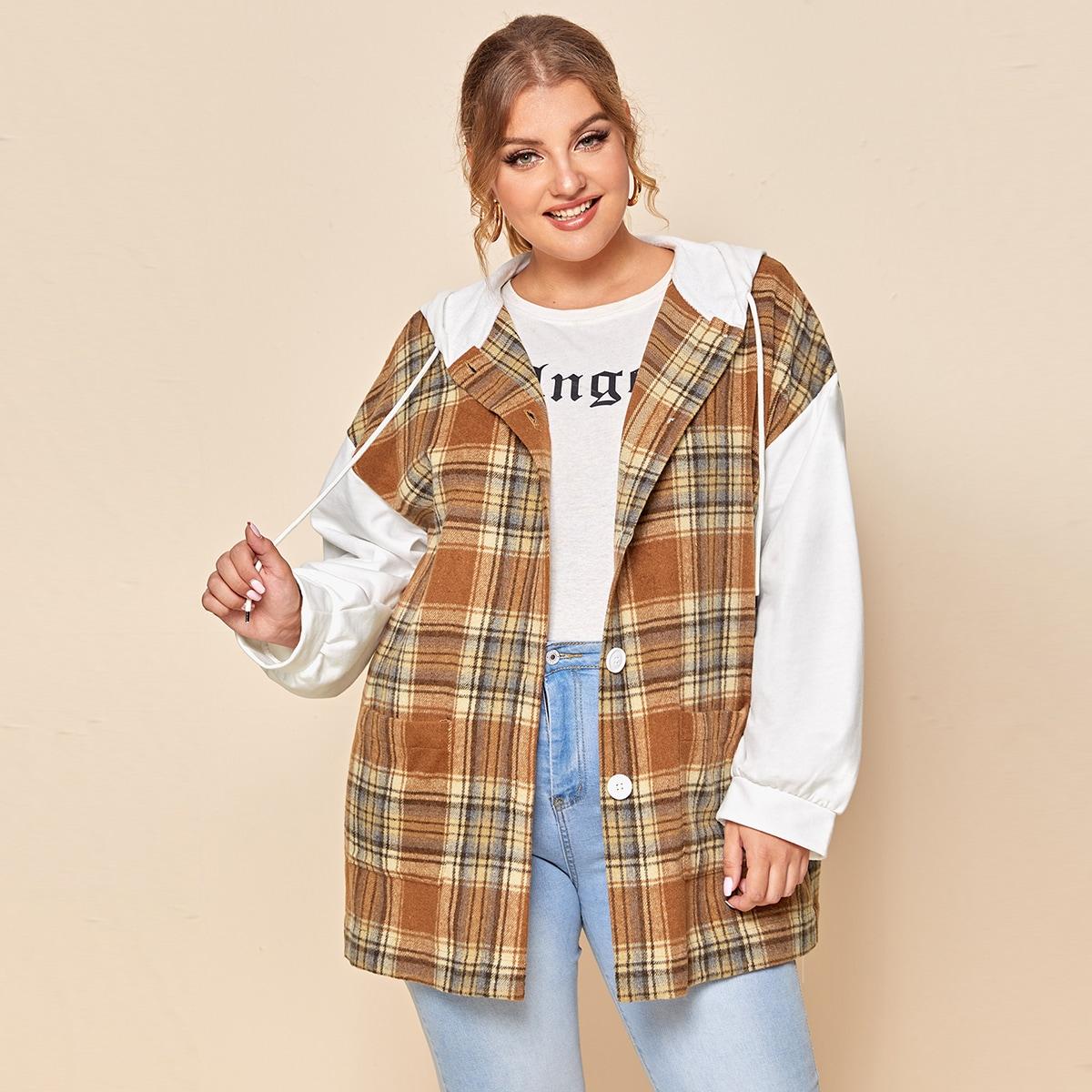 Пальто размера плюс с капюшоном и пуговицами