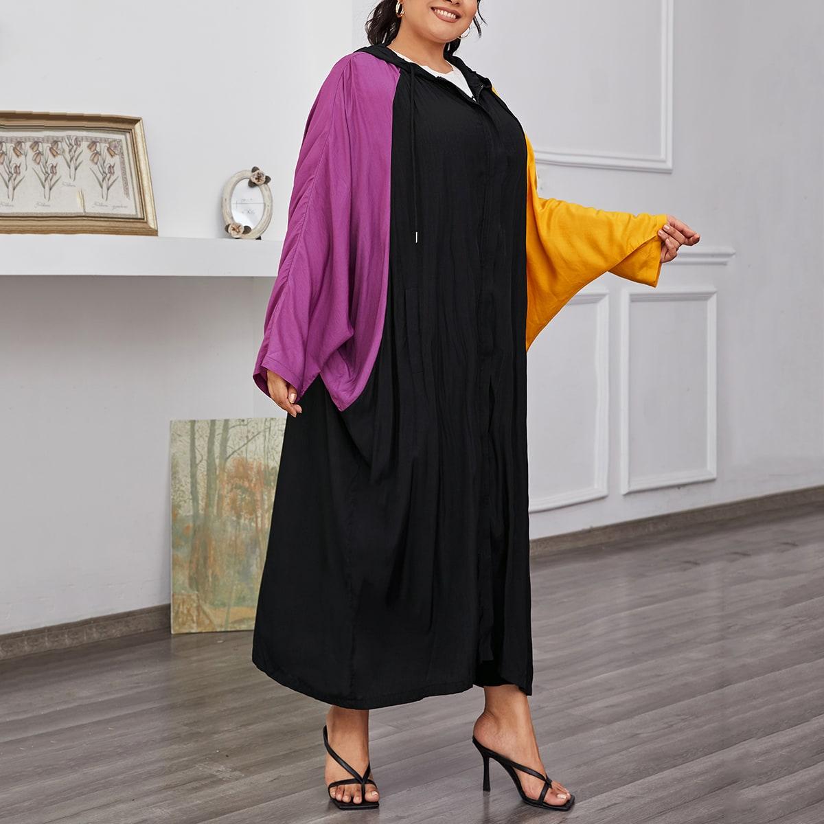 Контрастное пальто с капюшоном размера плюс