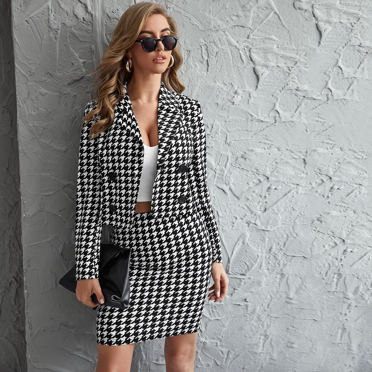Пиджак с пуговицами и юбка с узором хаундстута