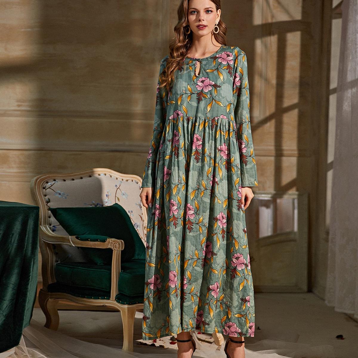 Оригинальное платье с цветочным принтом