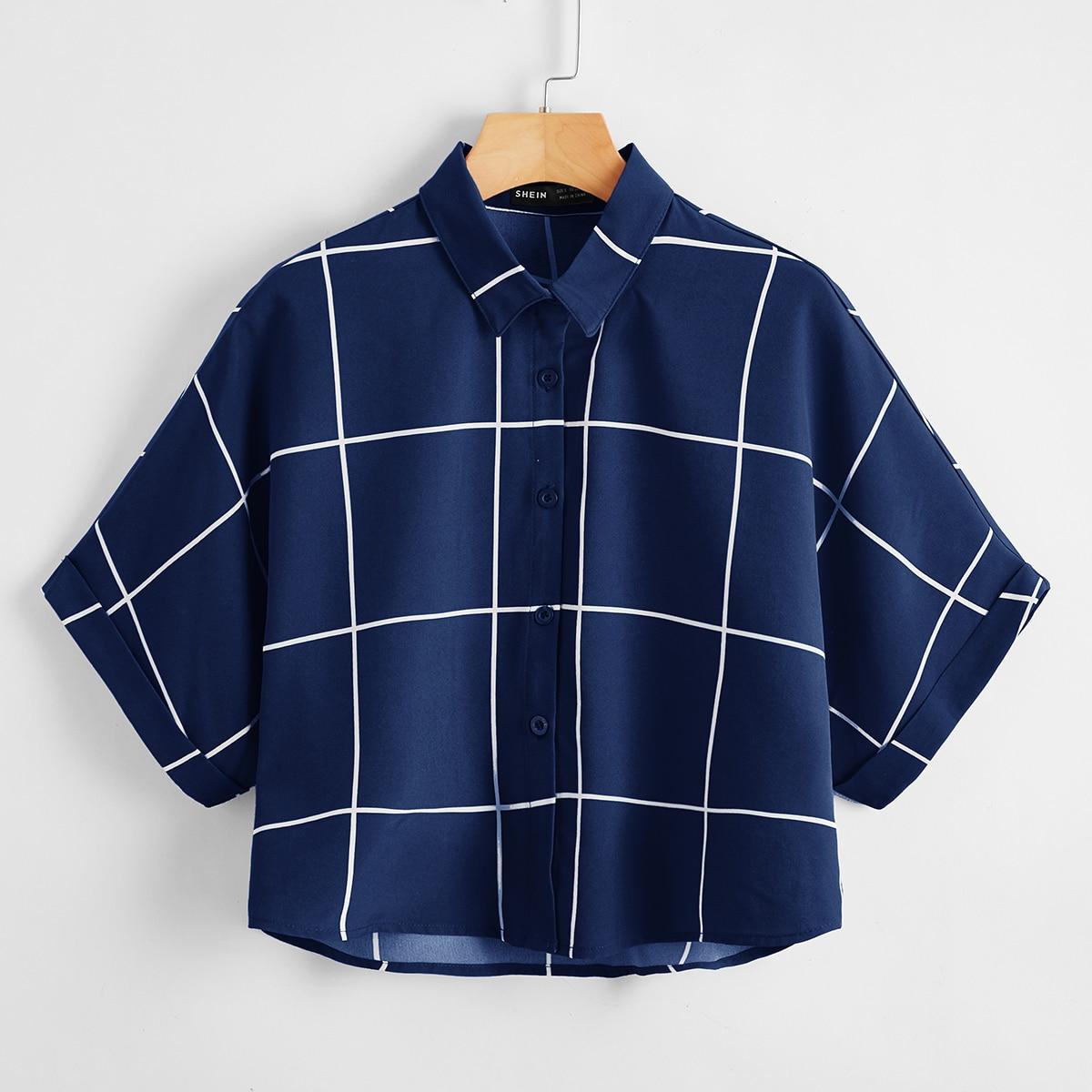 Блузка в клетку с оригинальным рукавом