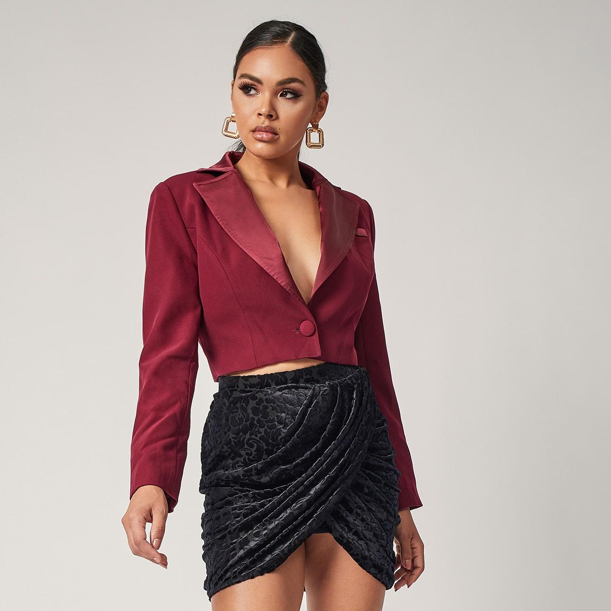Однотонный короткий пиджак