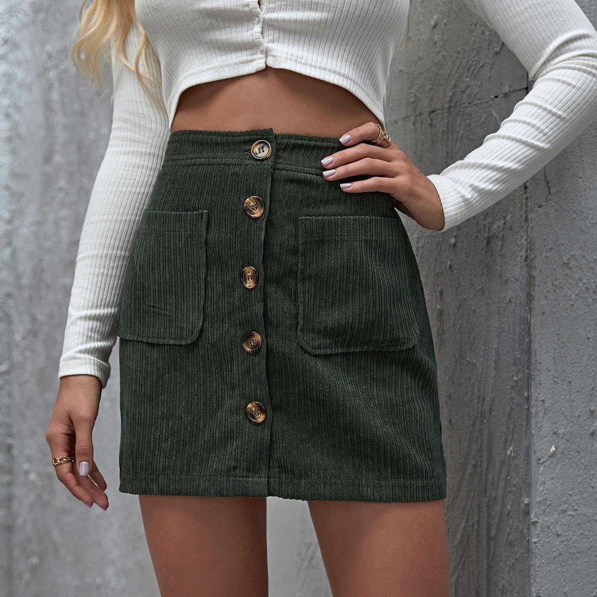 Вельветовая юбка с пуговицами и карманом