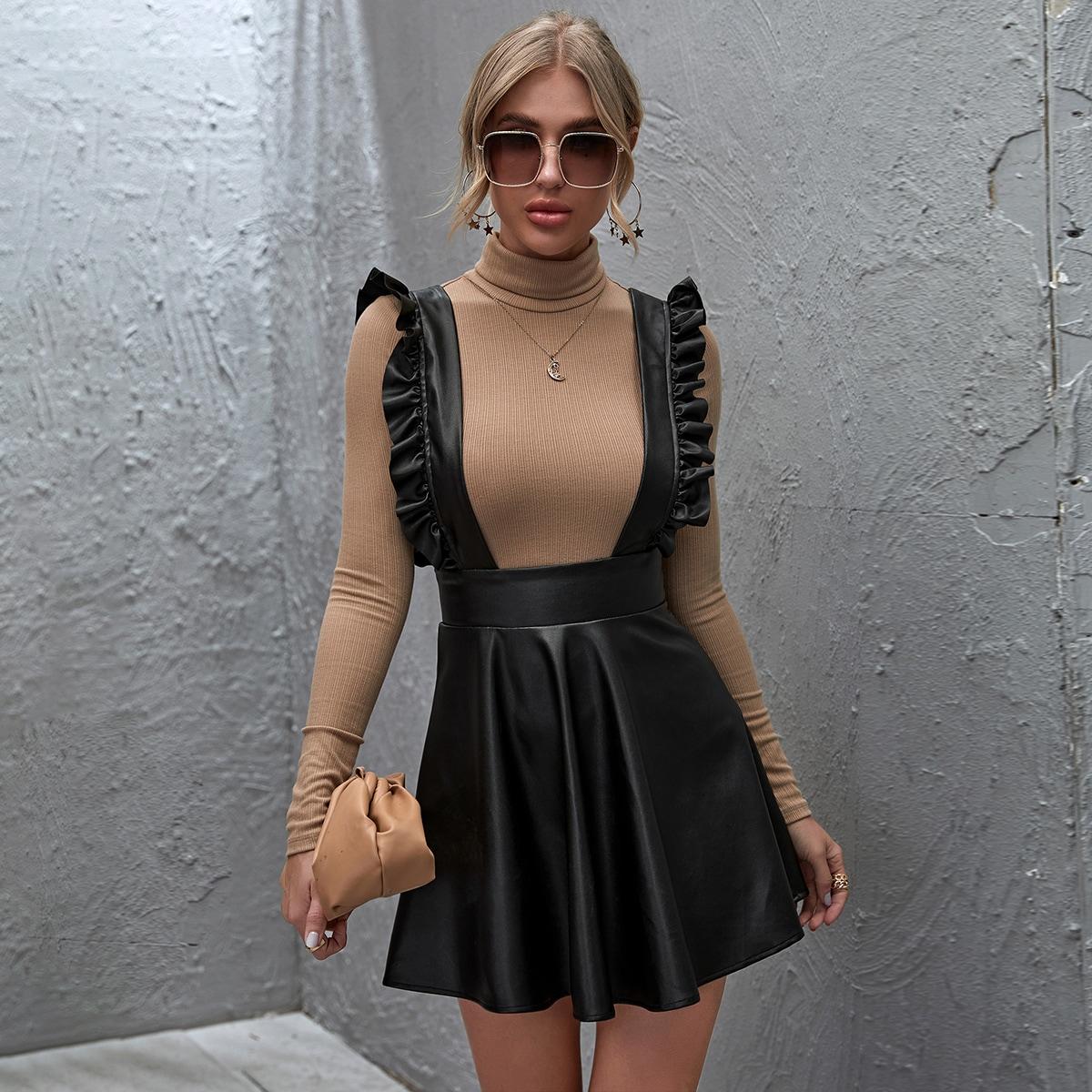 Платье с подтяжками из искусственной кожи от SHEIN