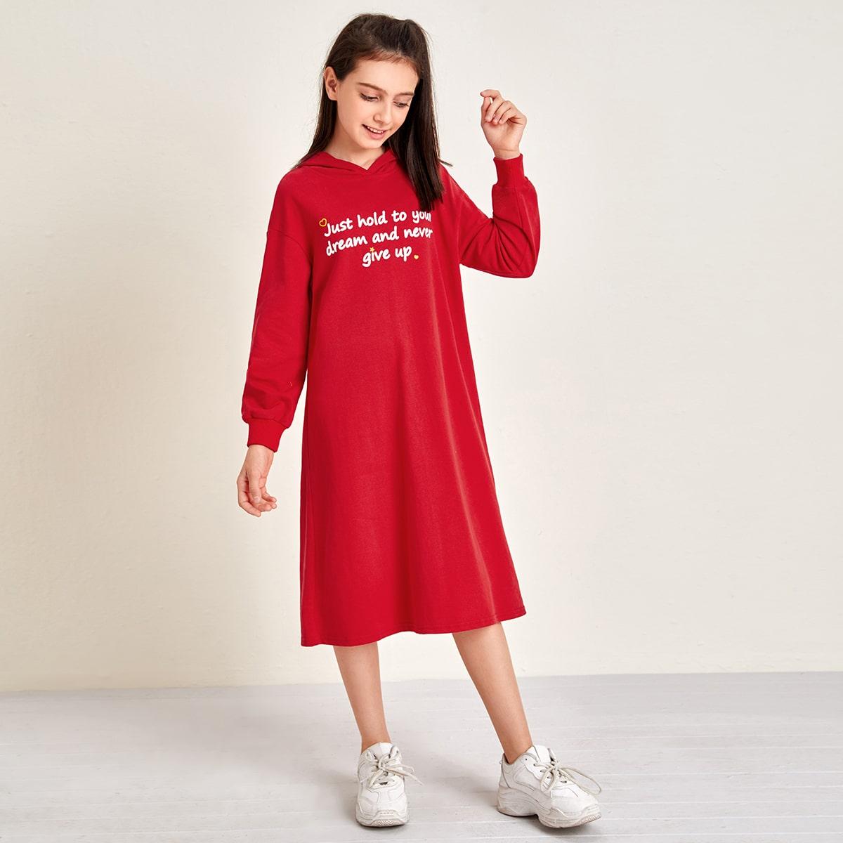 Свитшот-платье с капюшоном и текстовым принтом для девочек