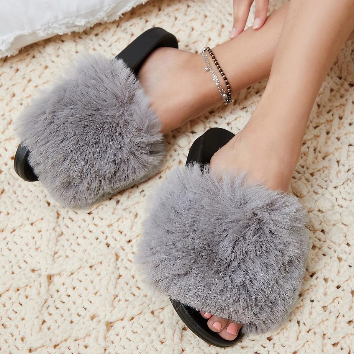 Плюшевые сандалии из искусственного меха