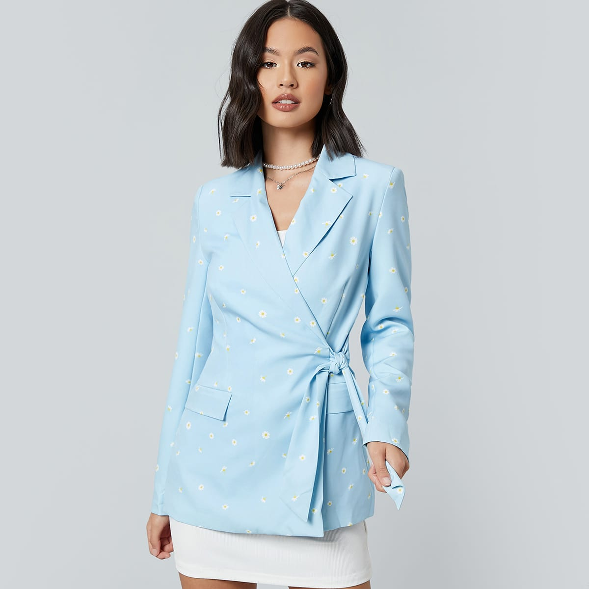 Пиджак с цветочным принтом и лацканом