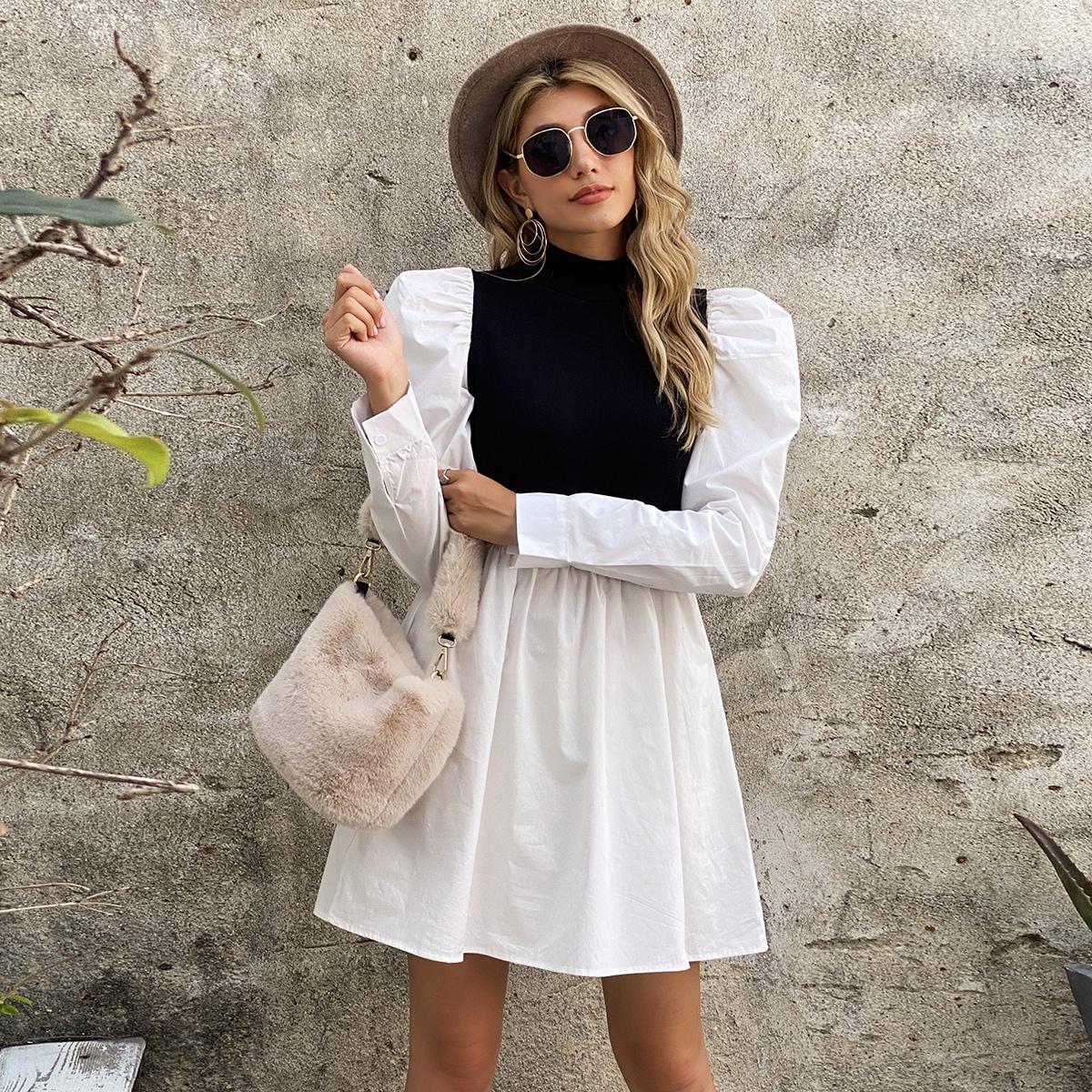 Контрастное платье с пышными рукавами