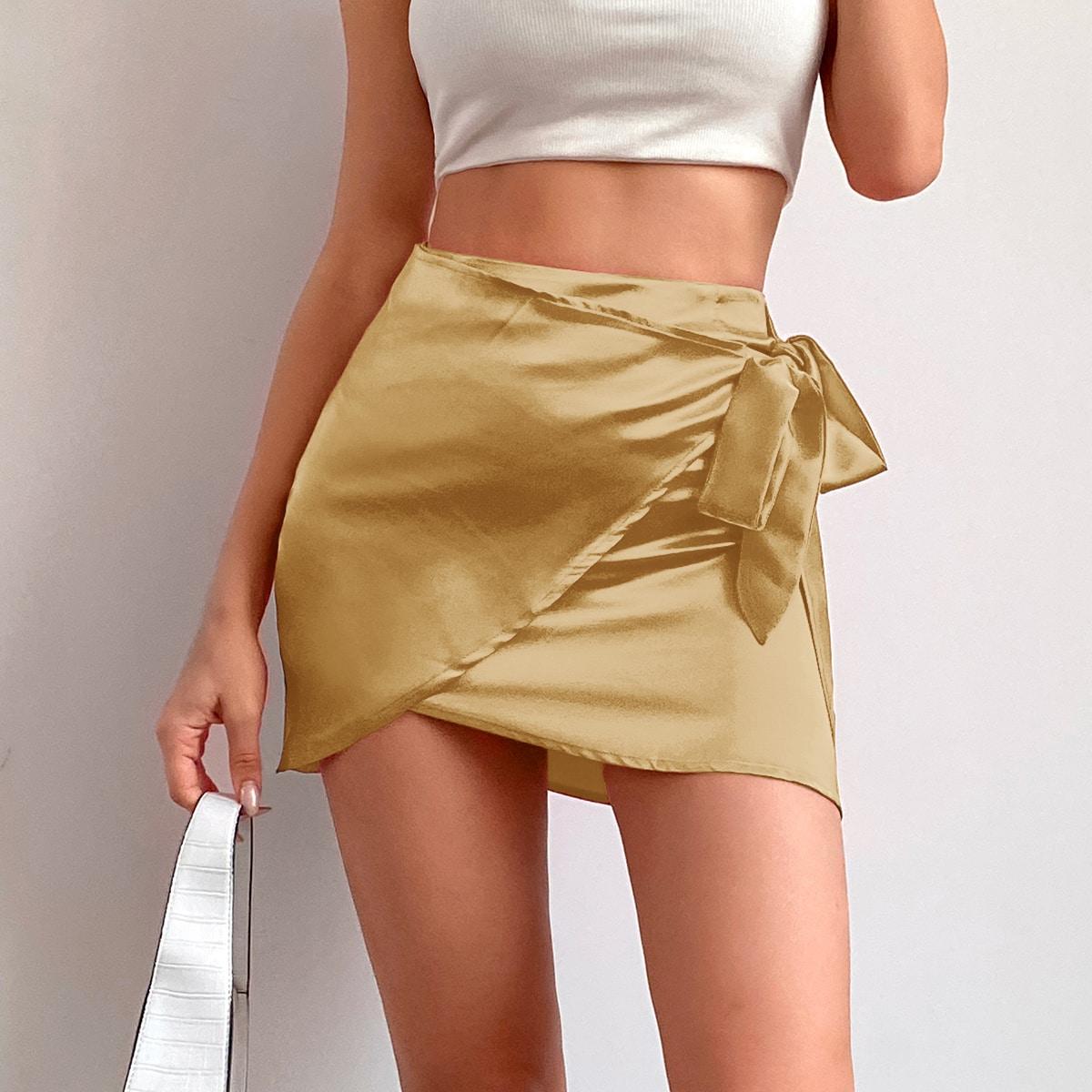 Атласная юбка с запахом