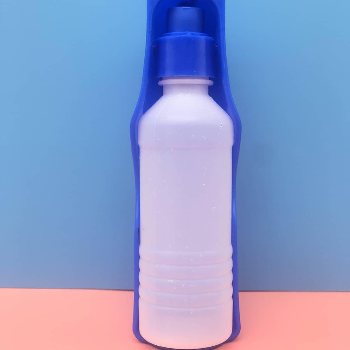 Bottiglia d'acqua per cane