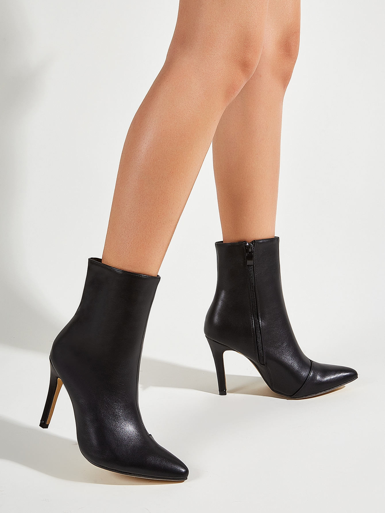 Point Toe Side Zip Stiletto Heeled Boots