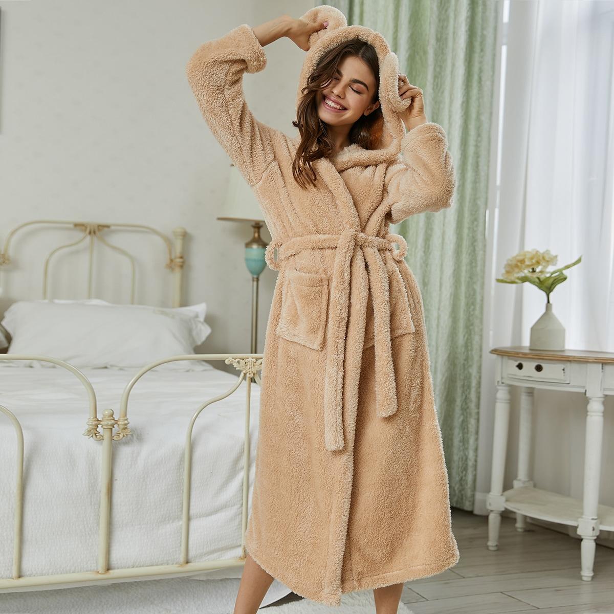 Фланелевый халат с капюшоном и двумя карманами