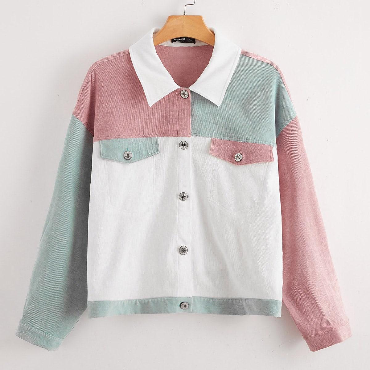 Контрастная куртка с карманом размера плюс
