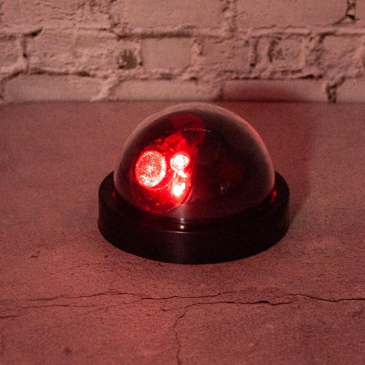 1 Stück Gefälschte Überwachungskamera & LED Lampe