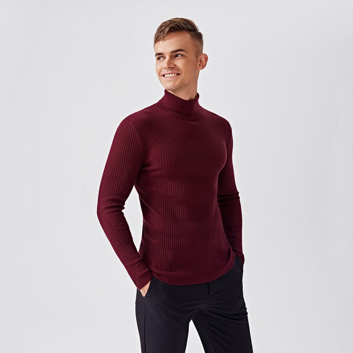 Мужской вязаный свитер в рубчик