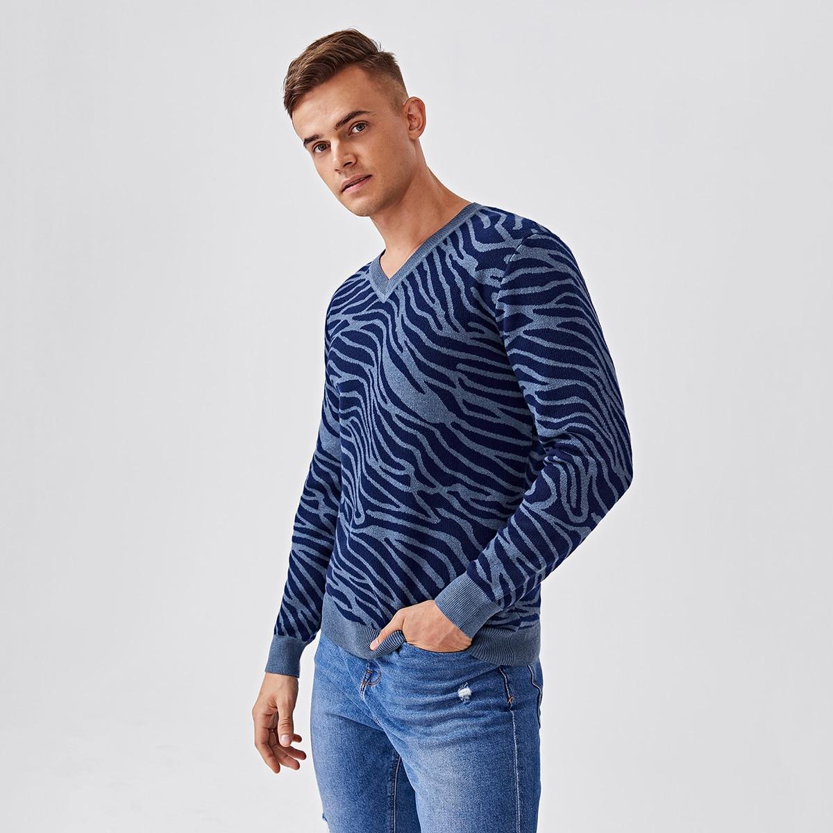 Мужской свитер с зебровым принтом