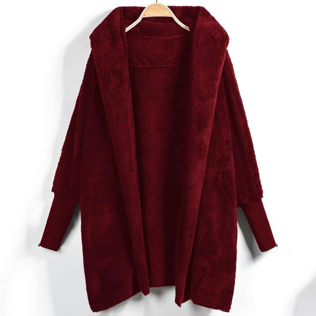 Пальто с капюшоном из искусственной овечьей шерсти