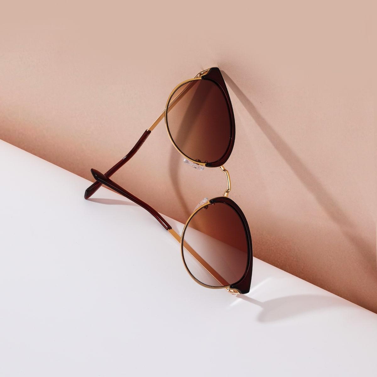 Солнечные очки в кошачьего глаза