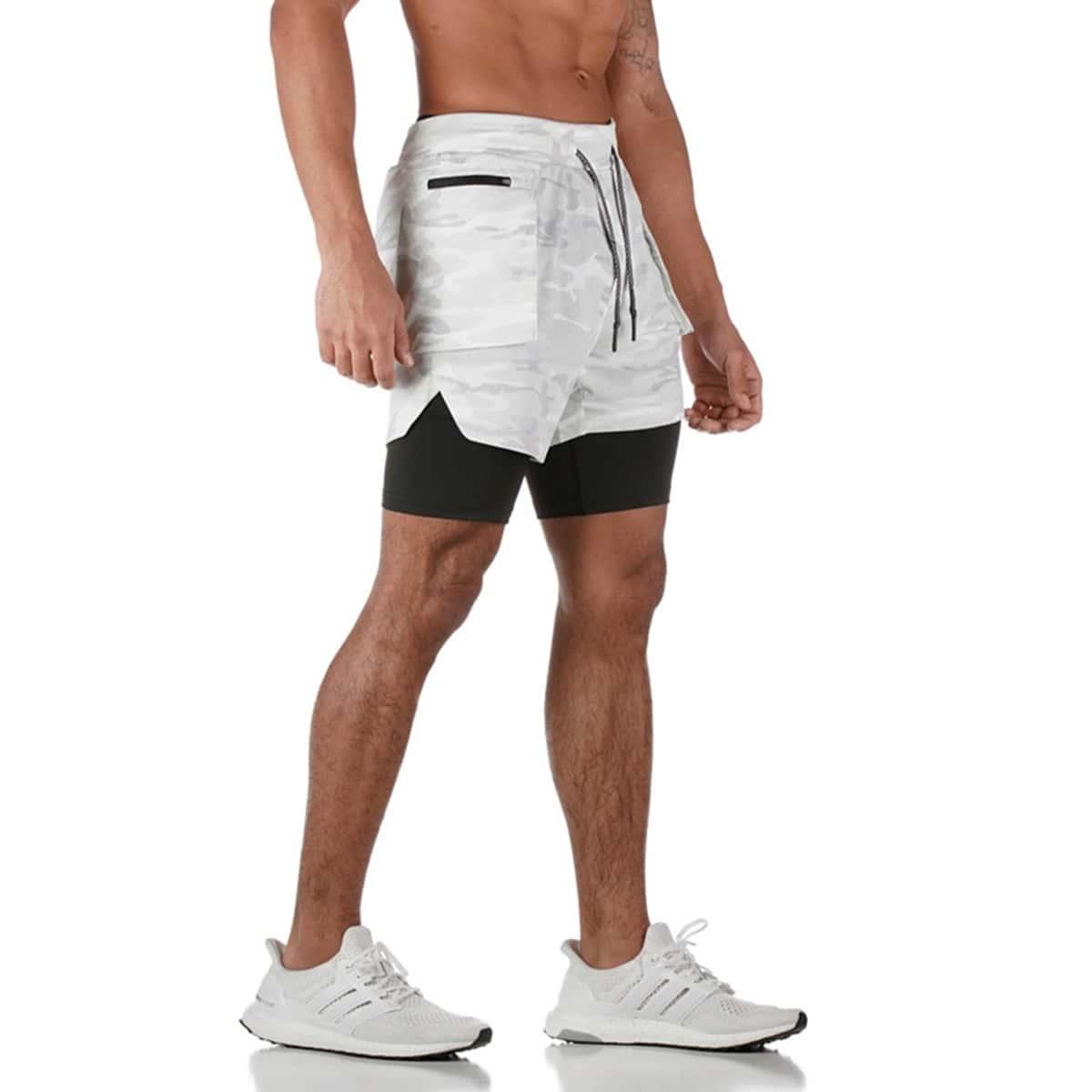 Мужские спортивные шорты с камуфляжным принтом и карманом для телефона