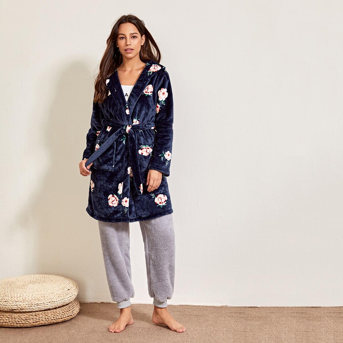 Фланелевый халат с цветочным рисунком и поясом