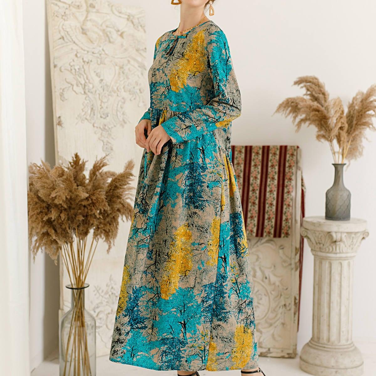 Платье с принтом и карманом
