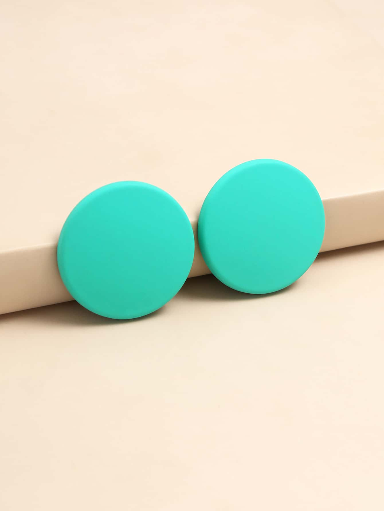 Round Design Stud Earrings thumbnail