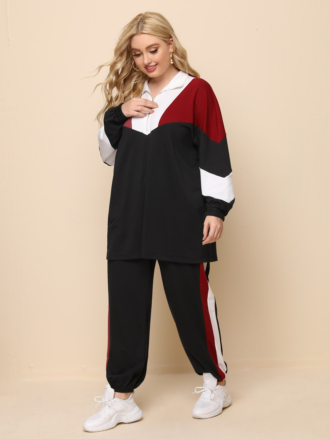 Plus Colorblock Half Zipper Placket Pullover & Striped Side Joggers Set thumbnail