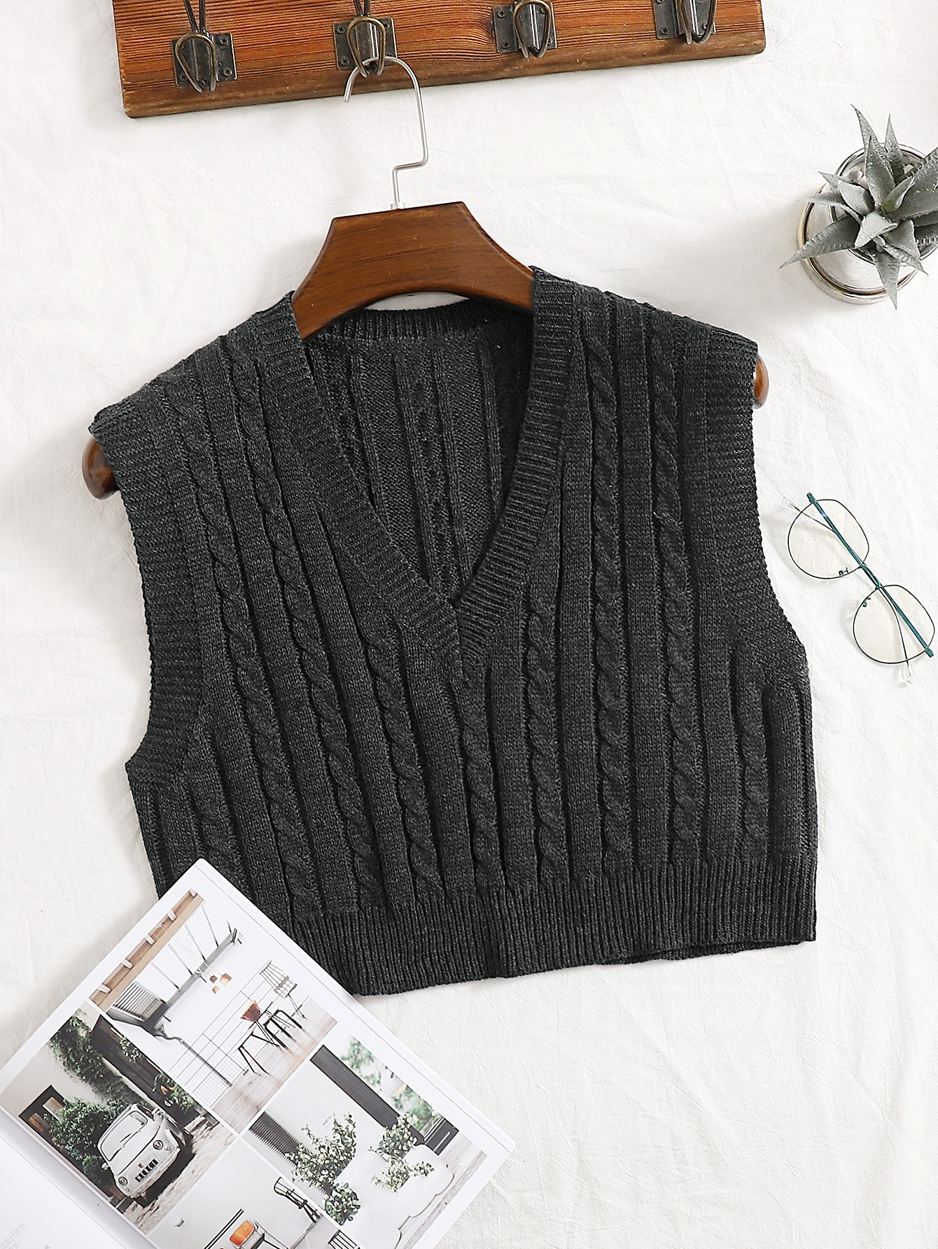 Cable Knit V-neck Sweater Vest thumbnail