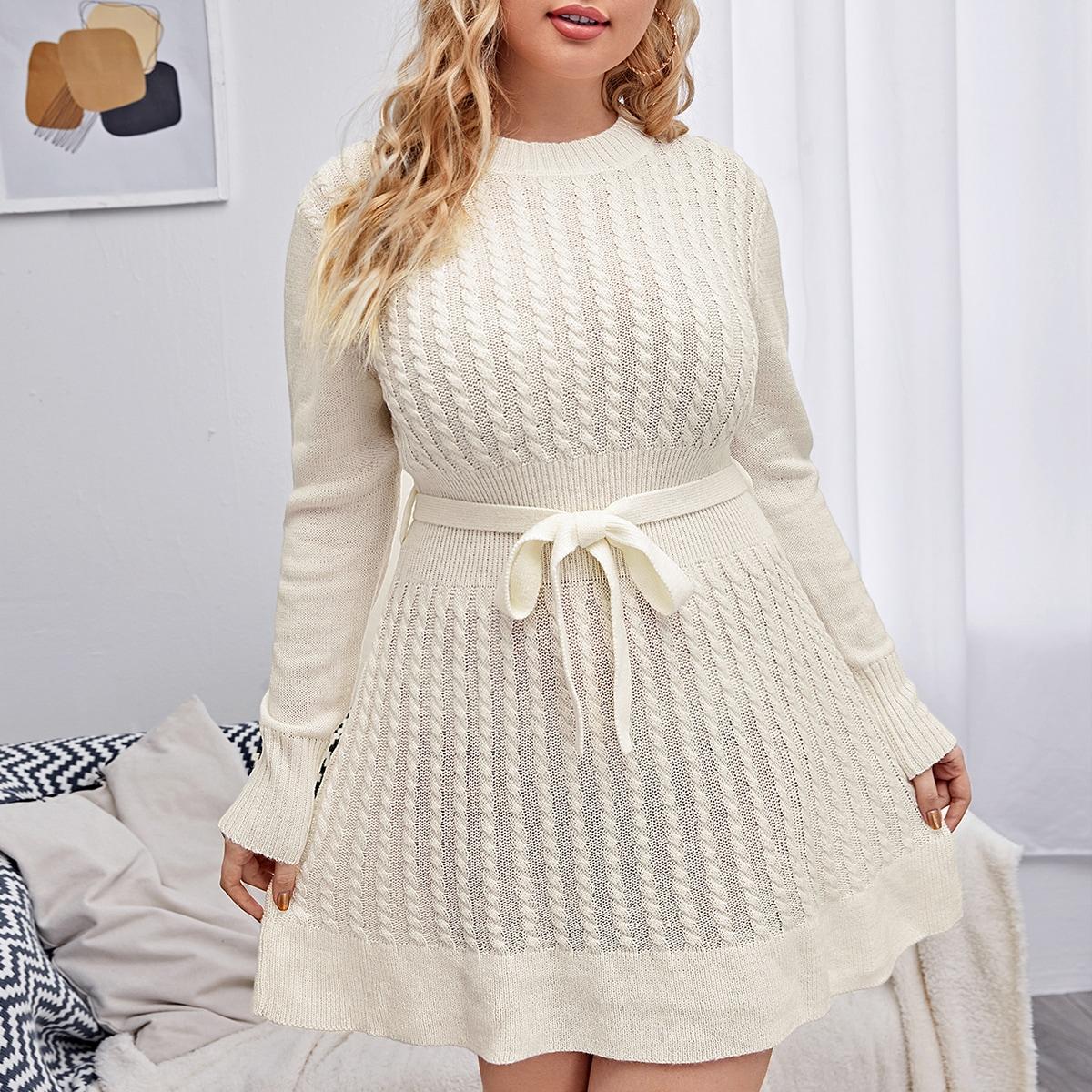 Вязаное платье-свитер размера плюс с поясом