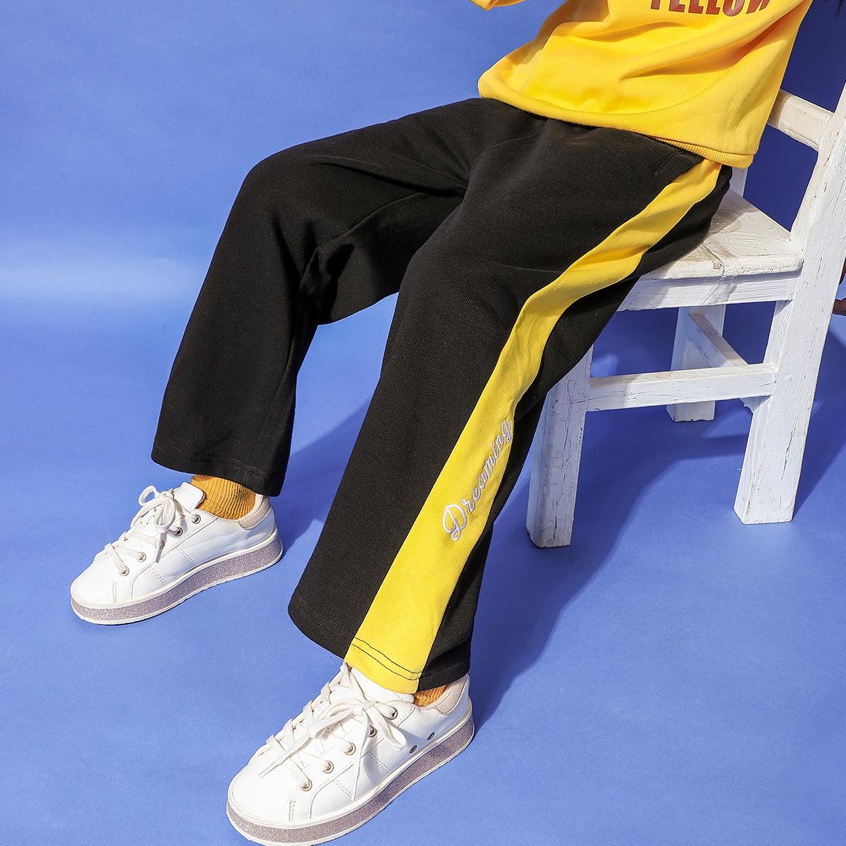 Контрастные брюки с вышивкой для девочек
