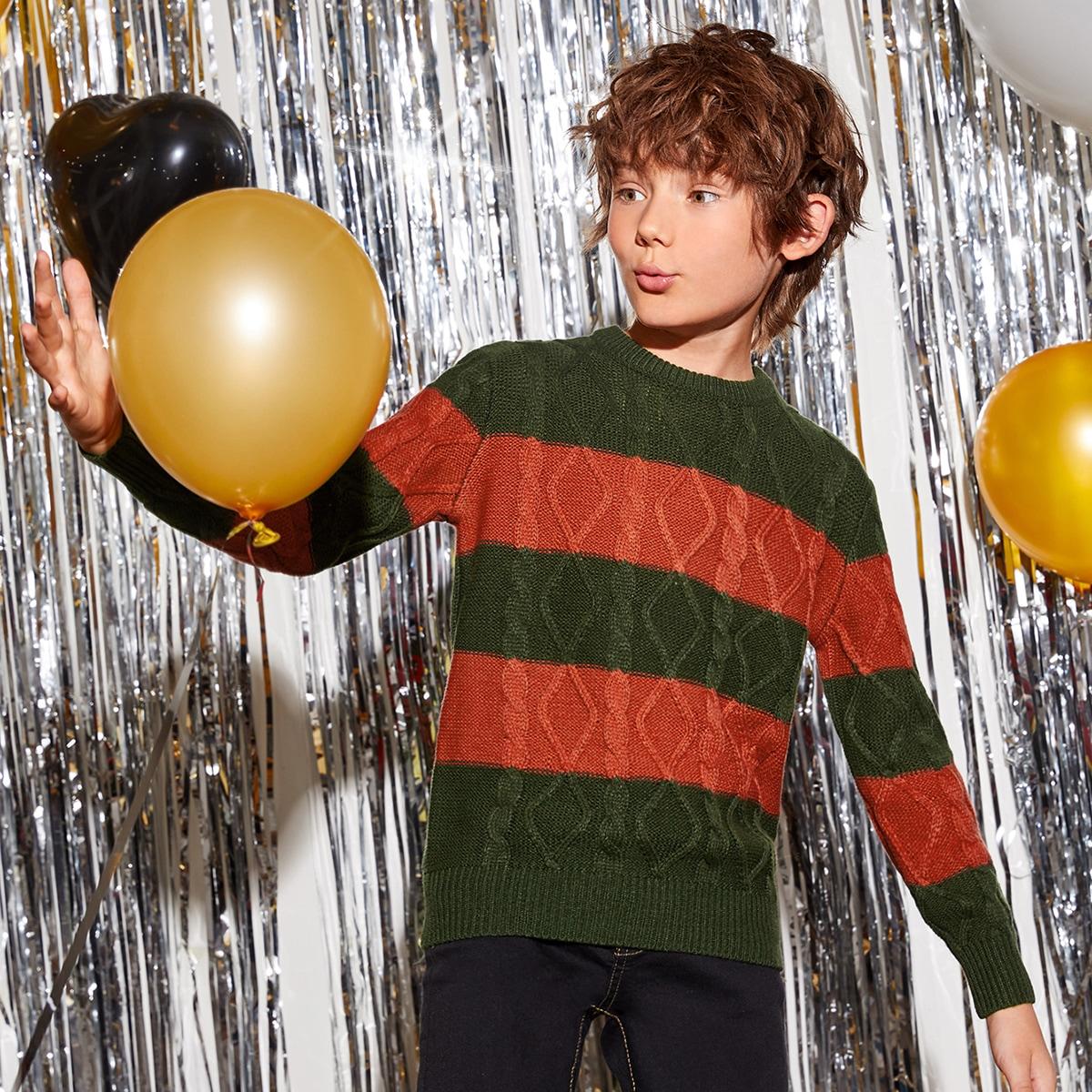 Контрастный трикотажный свитер для мальчиков