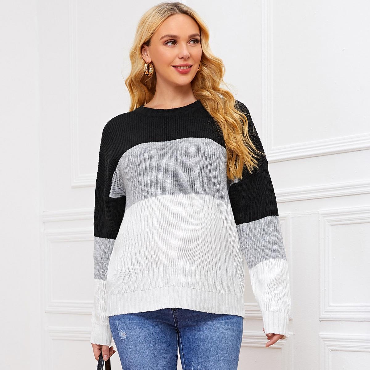 Контрастный свитер для беременных