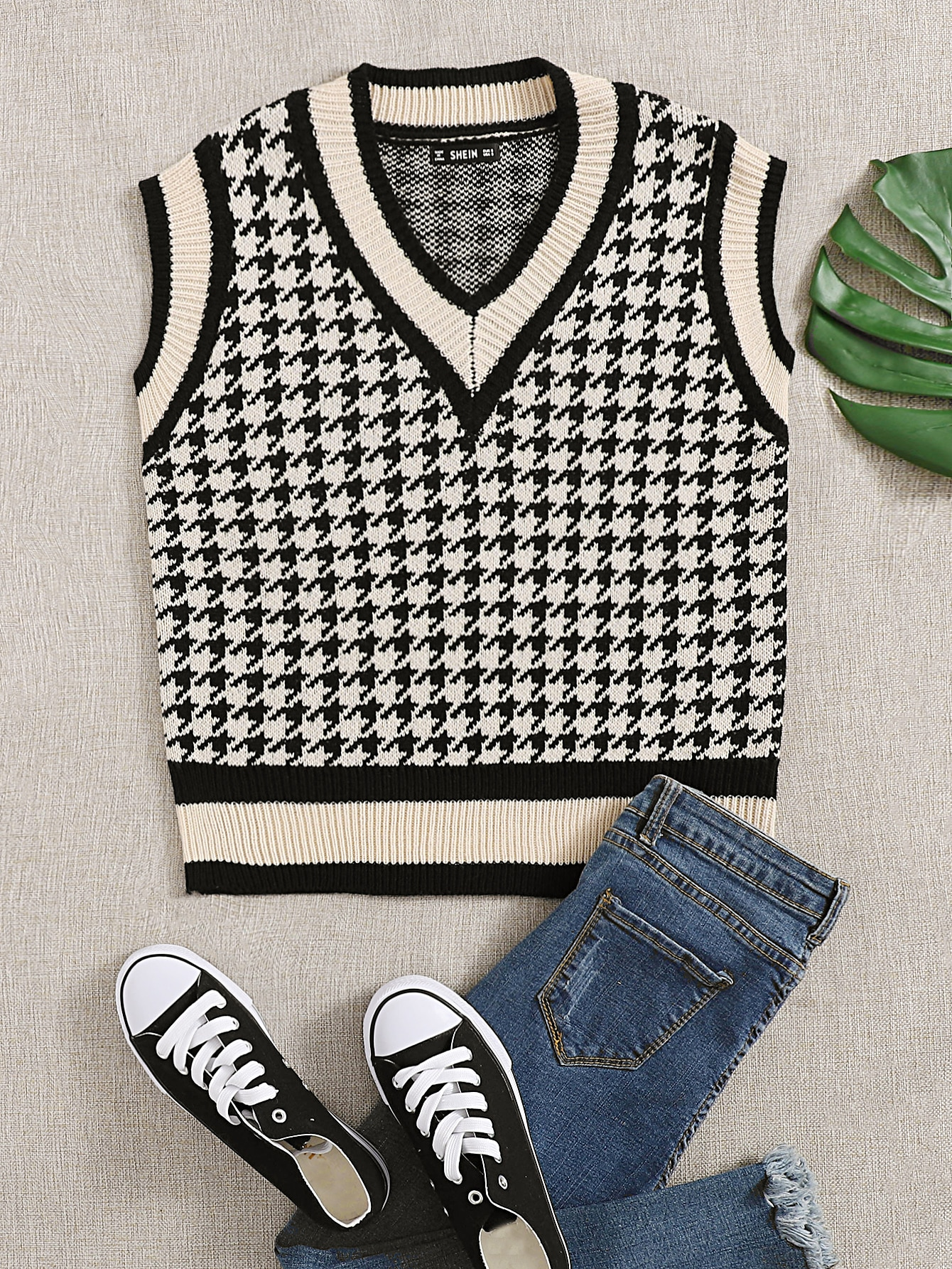 Houndstooth Pattern Cricket Sweater Vest thumbnail