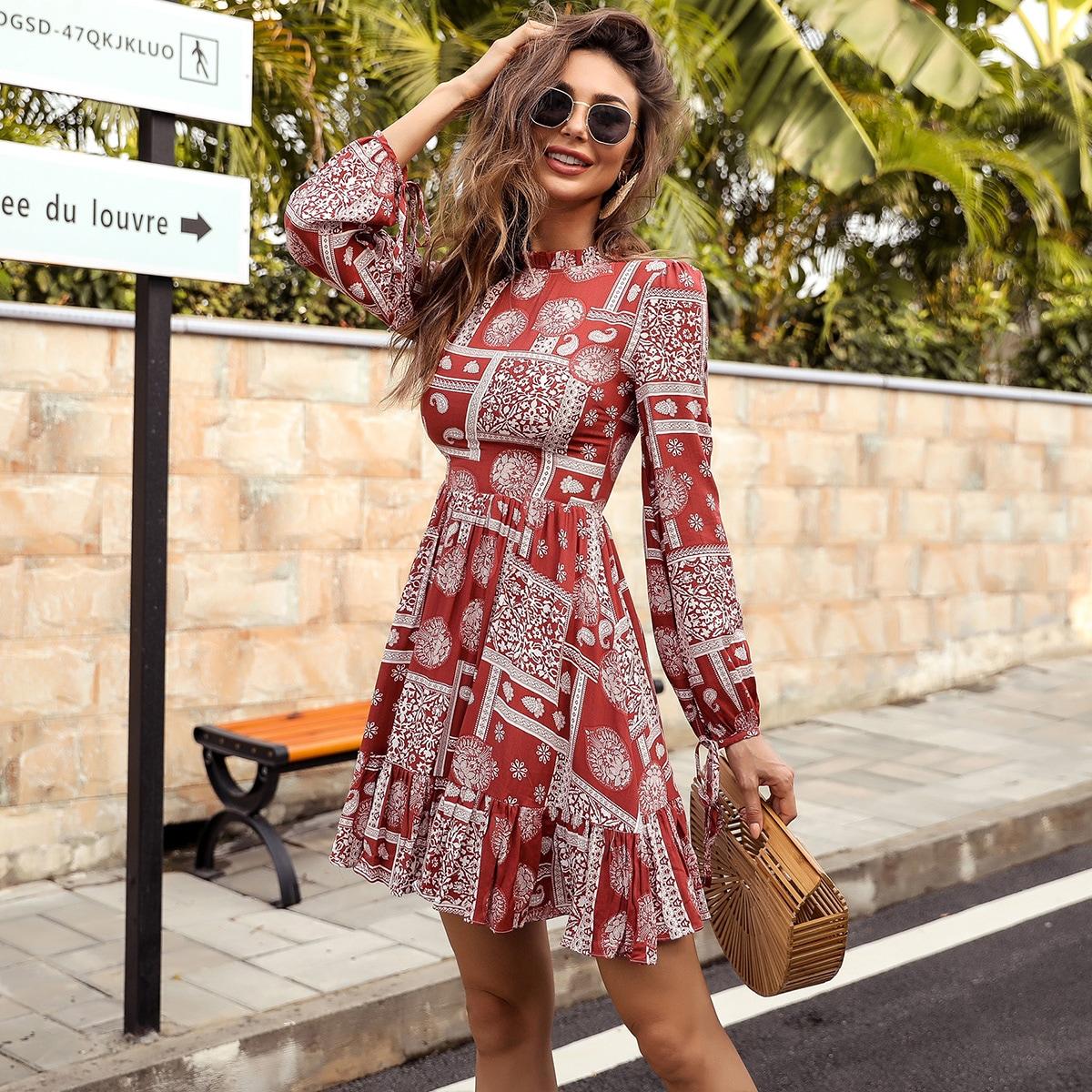 Платье с принтом пейсли и оборками