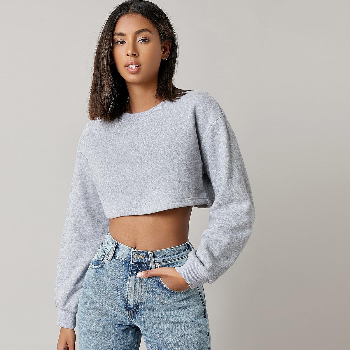 Короткий пуловер со спущенным рукавом