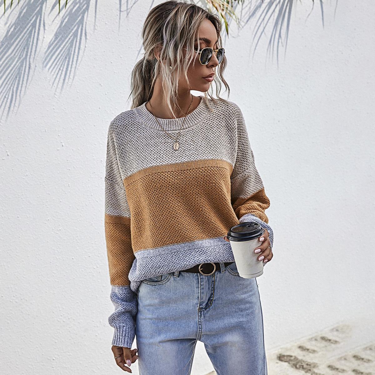Контрастный свитер оверсайз