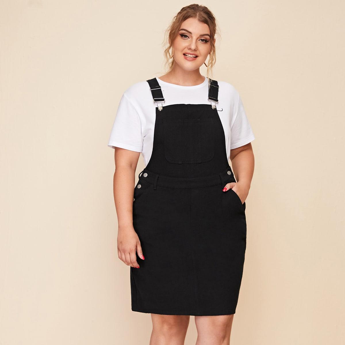 Джинсовое платье размера плюс с карманом и подтяжками