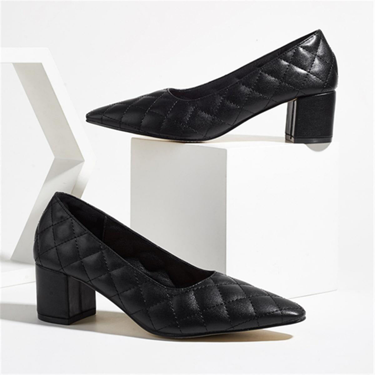 Стеганые туфли на среднем каблуке