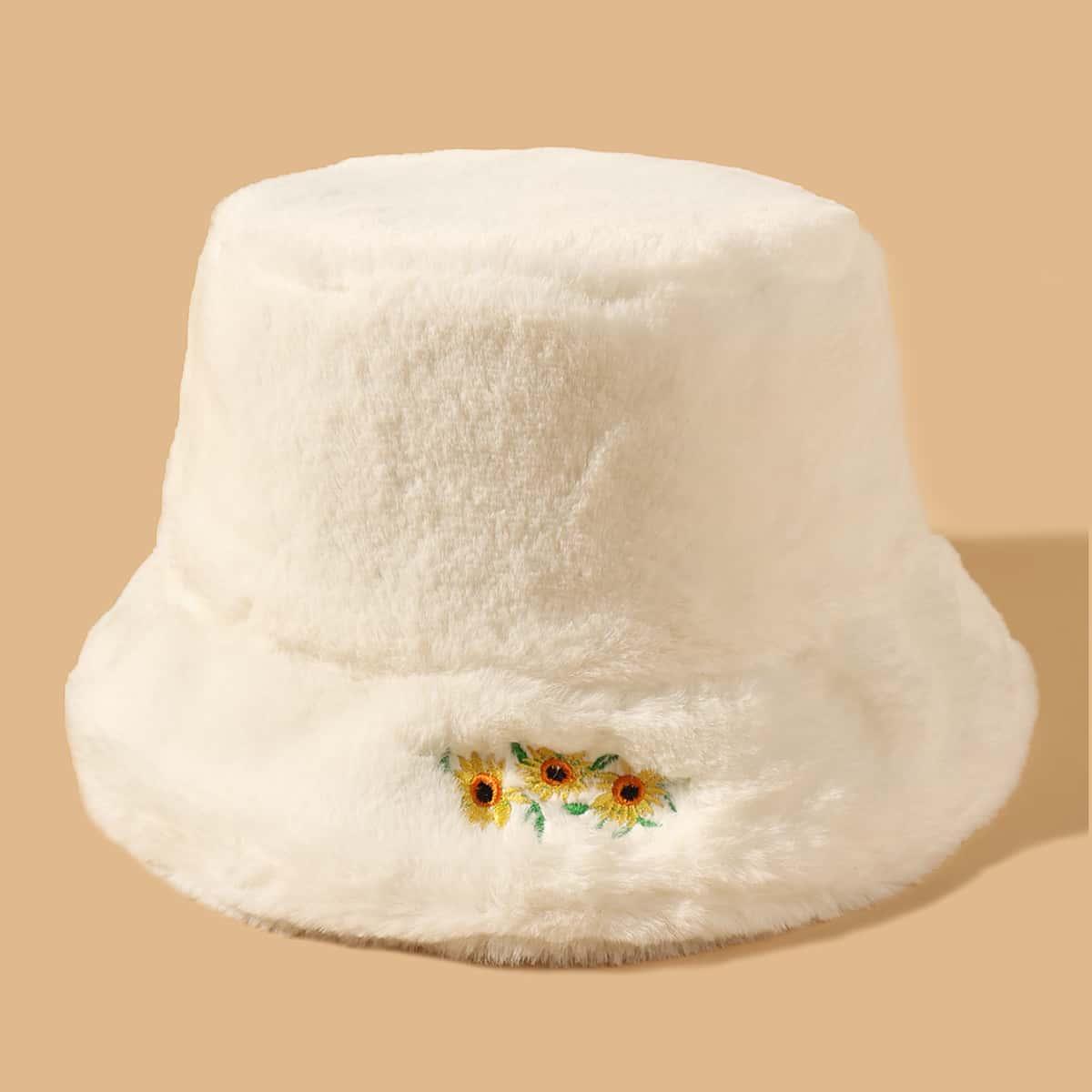 Плюшевая шляпа с вышивкой цветка