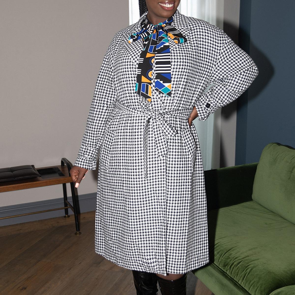 Пальто размера плюс с узором хаундстута и поясом