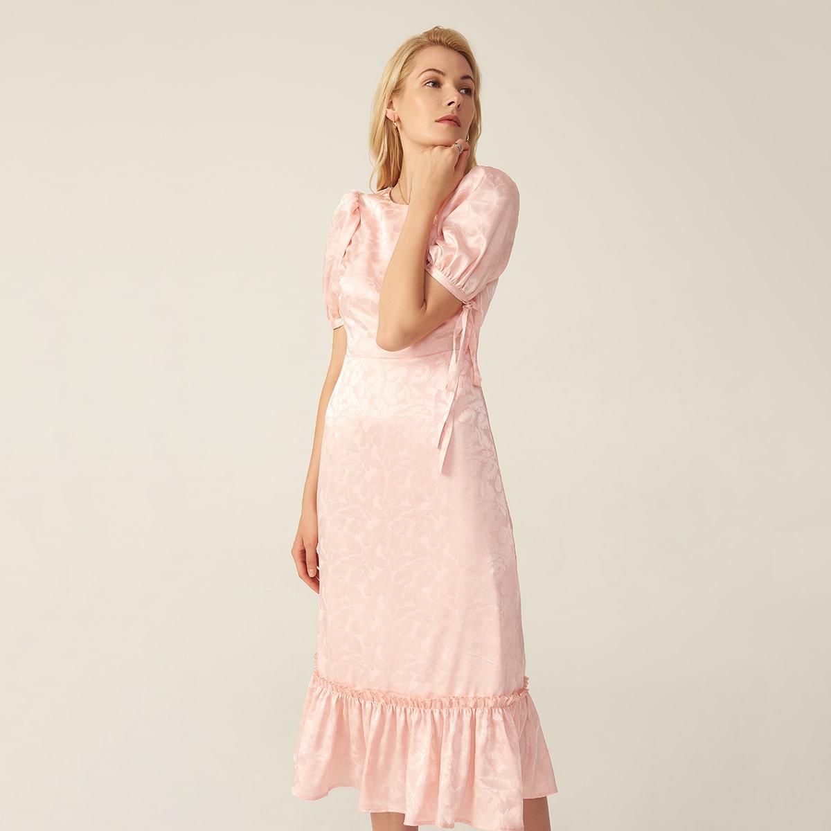Атласное платье с пышными рукавами