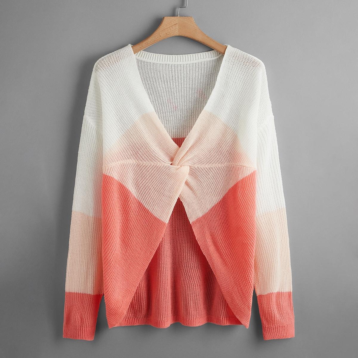Контрастный свитер размера плюс с драпировкой