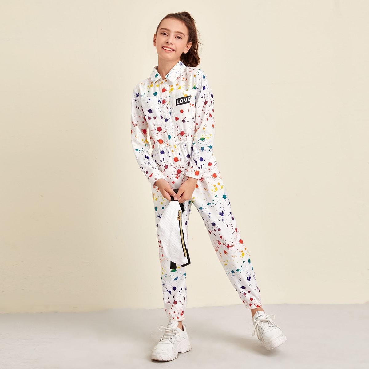 Комбинезон с карманом и разноцветным принтом для девочек