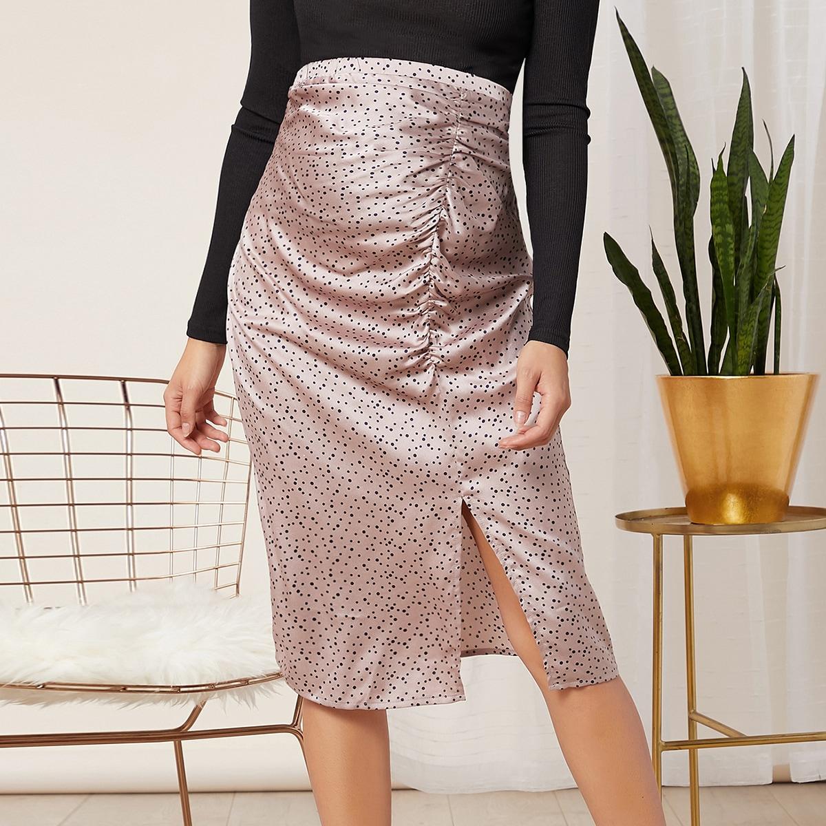 Атласная юбка в горошек с разрезом и сборкой для беременных